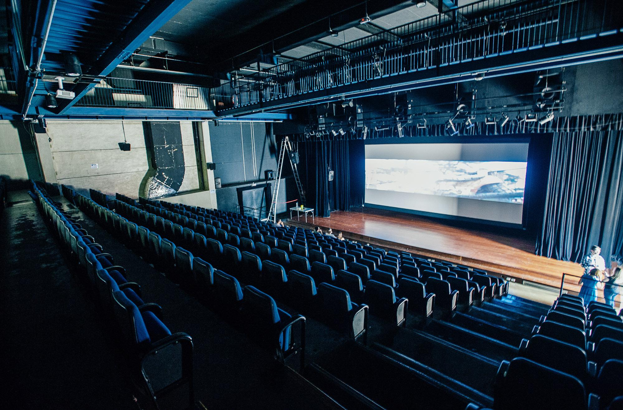Cinema grátis nos bairros e R$ 8 nos centros culturais: confira o Circuito SPCine