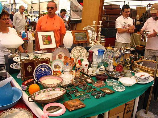 Antiguidades, artes, moda, design, gastronomia, você encontra de tudo um pouco na Praça Benedito Calixto Foto: wikicommons