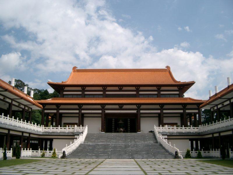 5 razões para visitar o Templo Zu Lai em Cotia