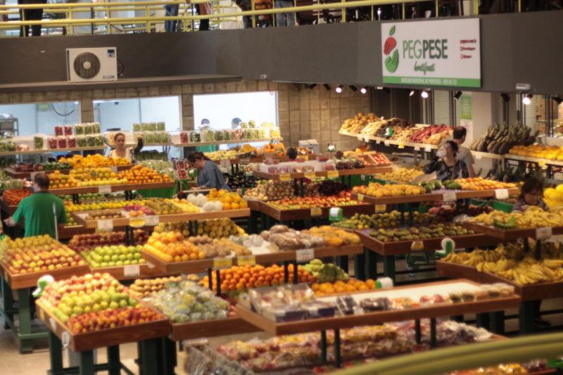 Mercado de Pinheiros: uma visita deliciosa de se fazer e de se provar