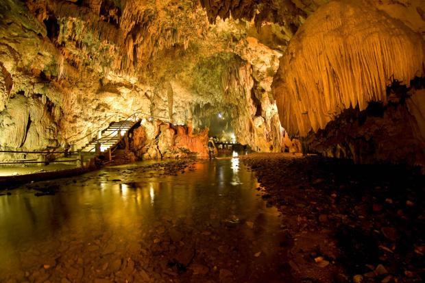 Visite a Caverna do Diabo: uma beleza divina!